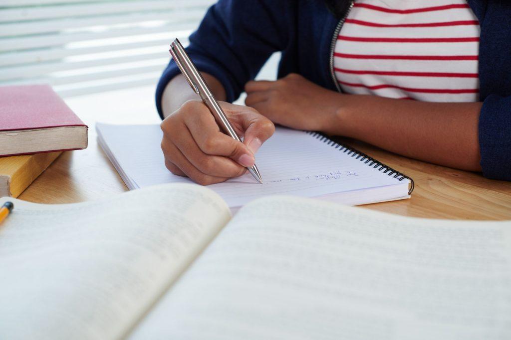 Доклад для учащихся вузов, виды и порядок написания от Академии